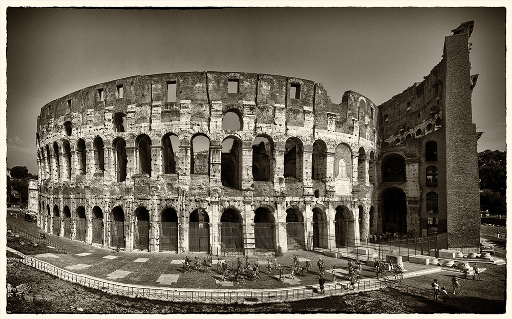 colliseum_pano_auto.jpg