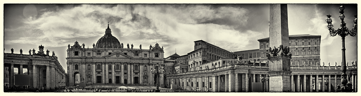 Vatican_Square_tone_mapped.jpg
